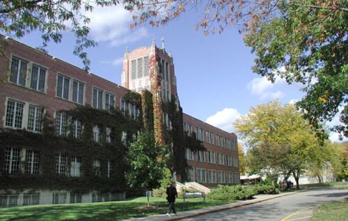 17. Aquinas College